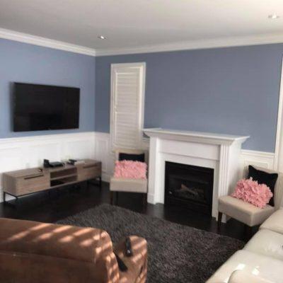 Livingroom with wainscoting